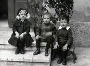 mladost na stopnicah
